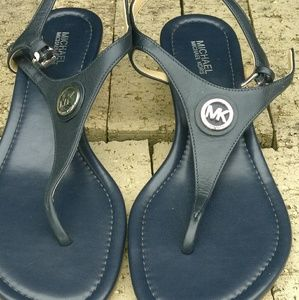 fb603a5f12d1 Michael Kors Lee Leather Flat T Strap Sandal Sz 8